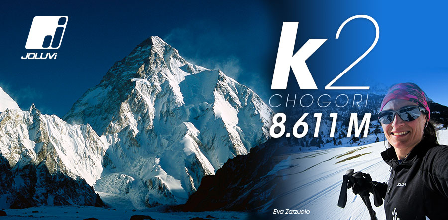Eva Zarzuelo tries the K2